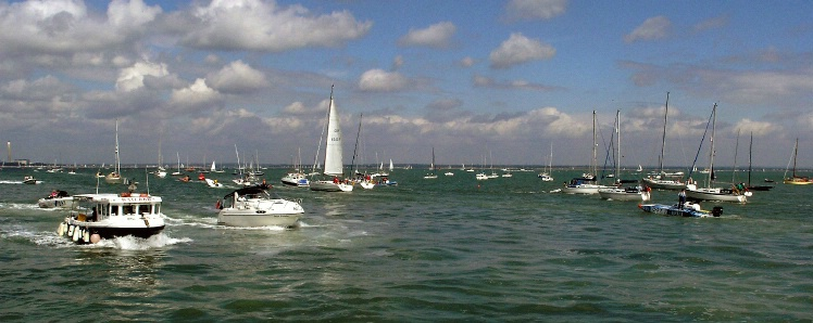 Sailing off Cowes2