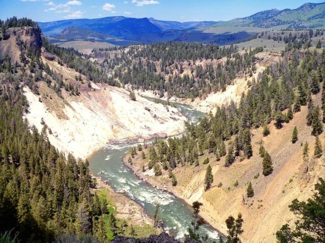 Yellowstone canyon, WY