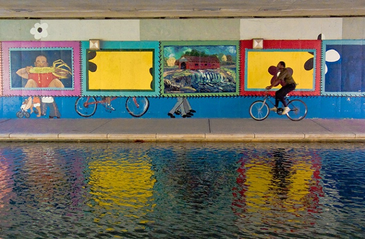 Canal Mural