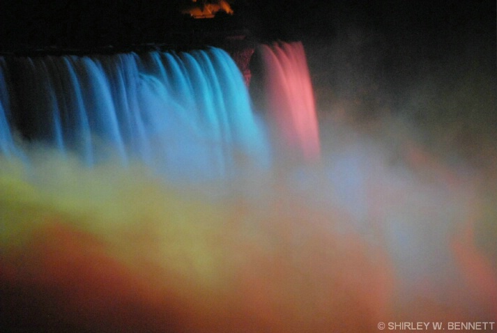 NIAGARA CANADIAN FALLS ILLUMINATION