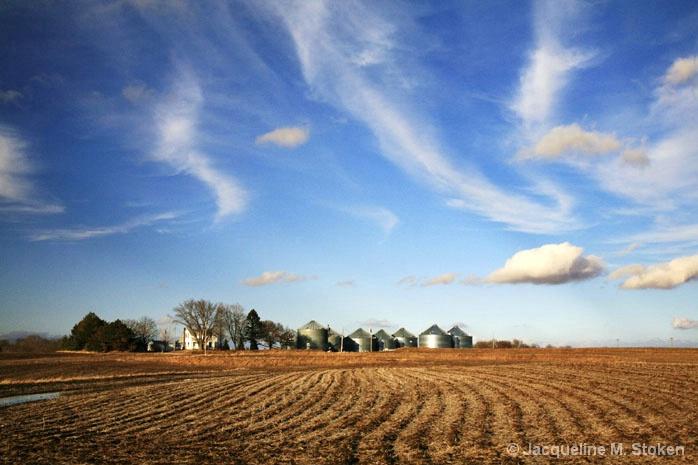 The grand Iowa farm landscape