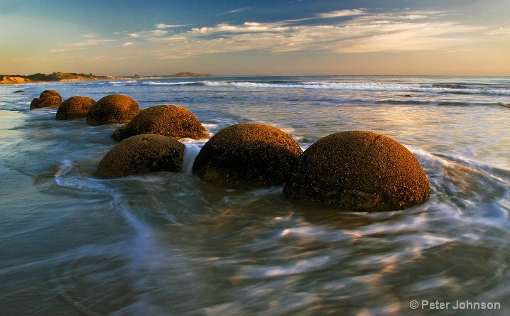 Rare Bouldered Beach - New Zealand