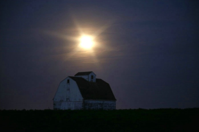 Star of the full moon over corn crib