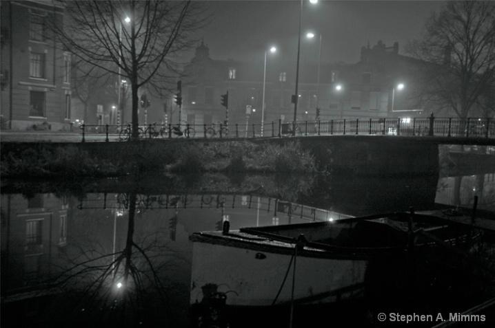 Foggy night -Clear reflection