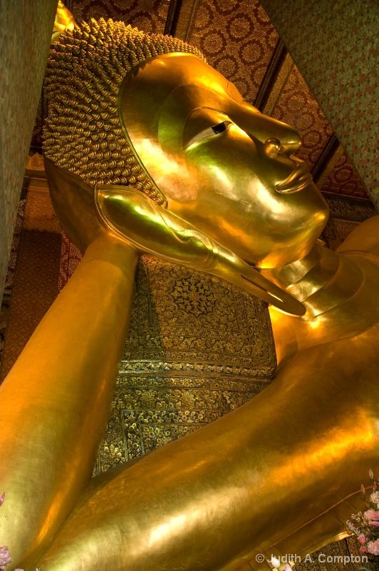 Reclining Buddha III