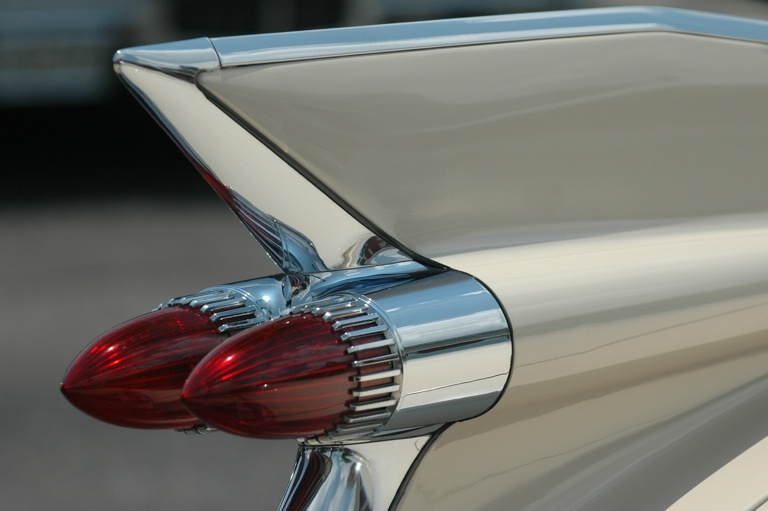 Caddy Tail Fin