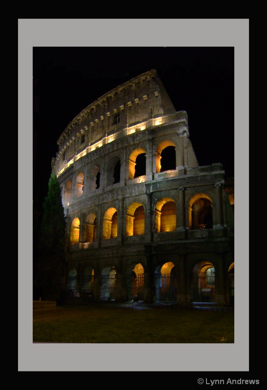 Colosseum Night