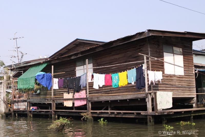 homes along the klongs