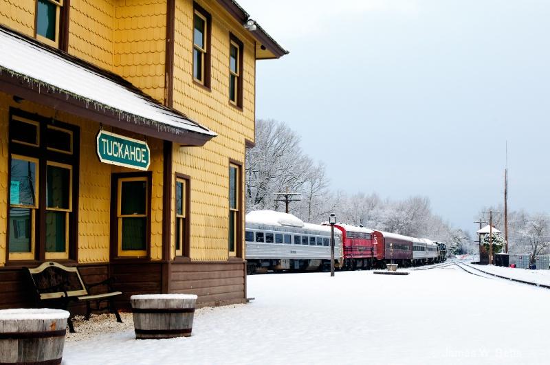 Tuckahoe Train Station