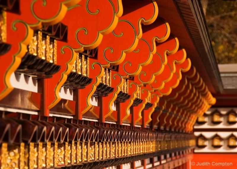 成田山 temple awning