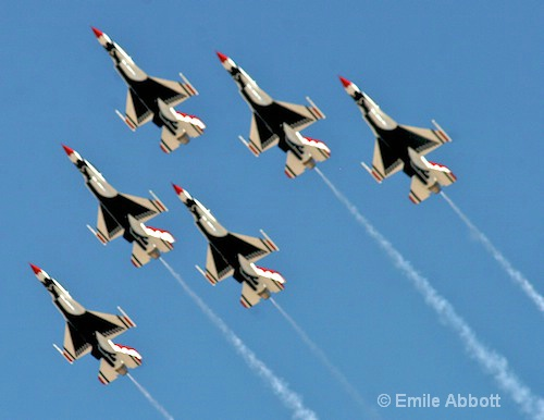 "Thunderbirds ""Air show formation"""