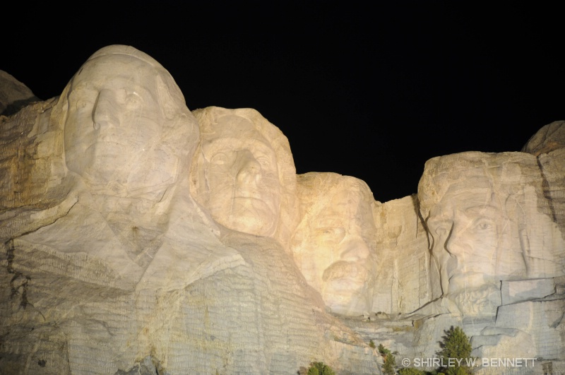 MOUNT RUSHMORE NIGHT ILLUMINATION