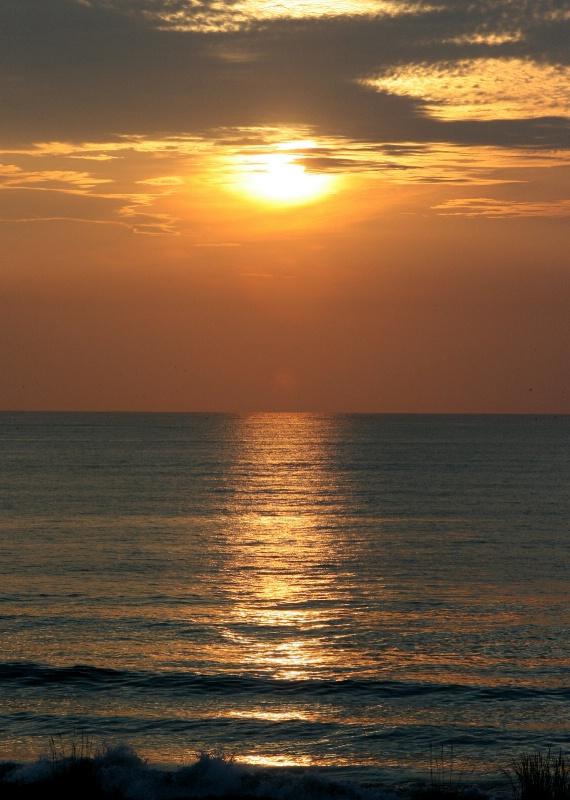 Sunrise Photo with leveled horizon
