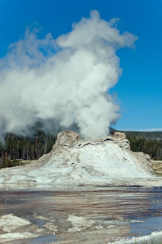 Castle geyser.<p>