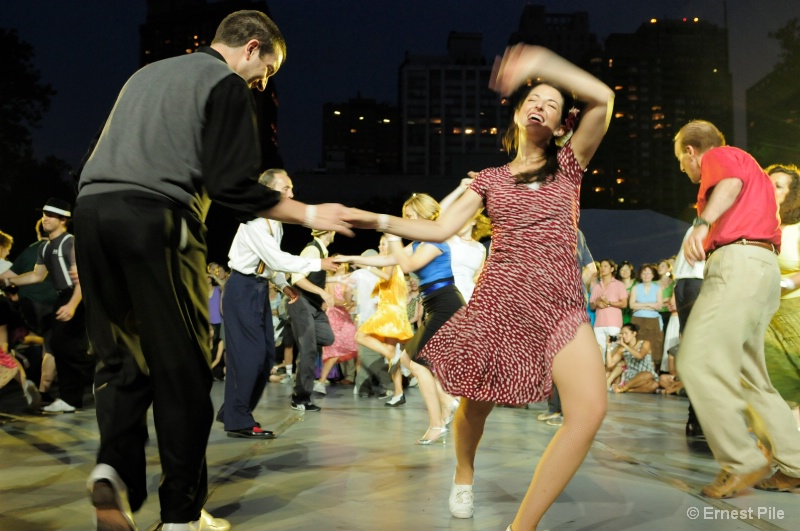 Lindy Hop Dancers - YEAH!