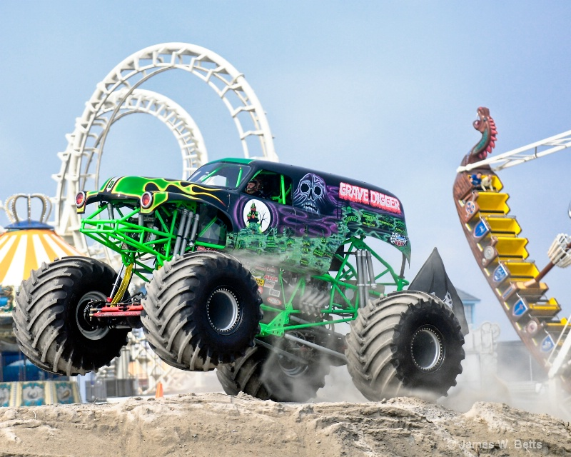 Grave Digger ride in the park