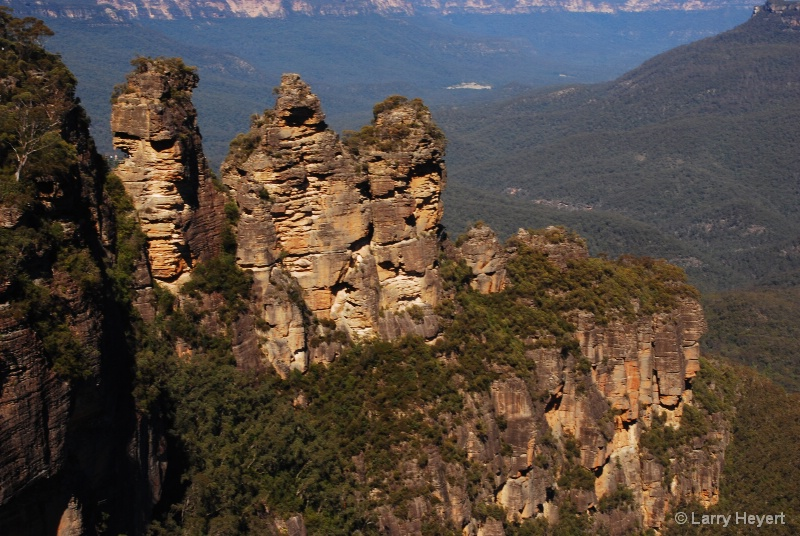 Australia- Three Sisters- Blue Mtns- Sept 09