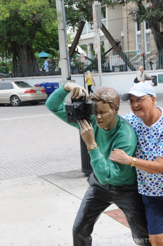 SHIRLEY WITH PHOTOGRAPHER STATUE