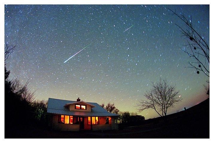 Leonid Meteors, Nov 18, 2001