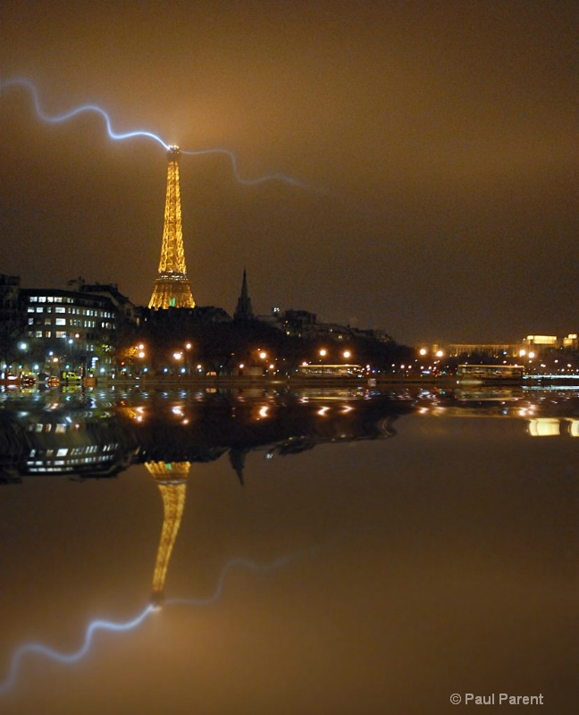 Paris Reflexion