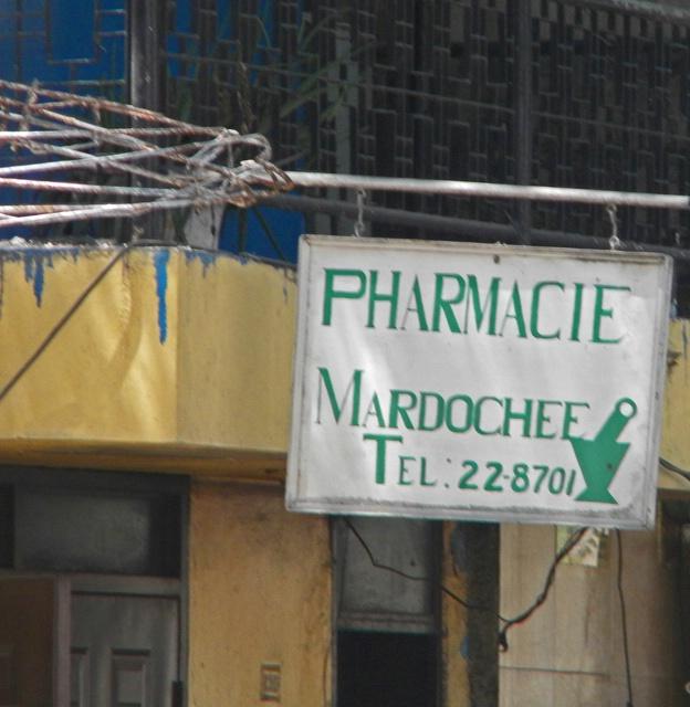 pharmacy where haitian buys su