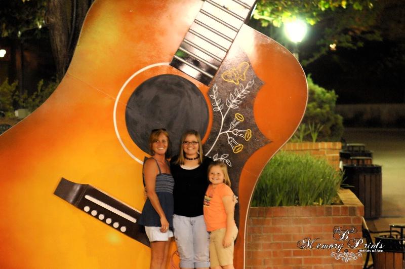"""Big Guitar2"""
