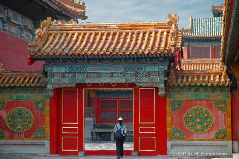 Exploring the Forbidden City before the crowds