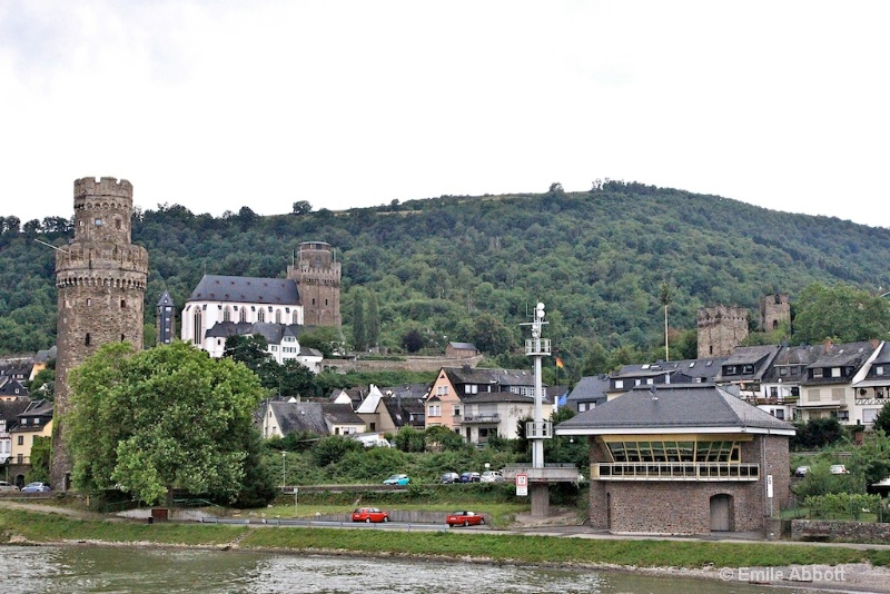 Count the towers of Oberwesel