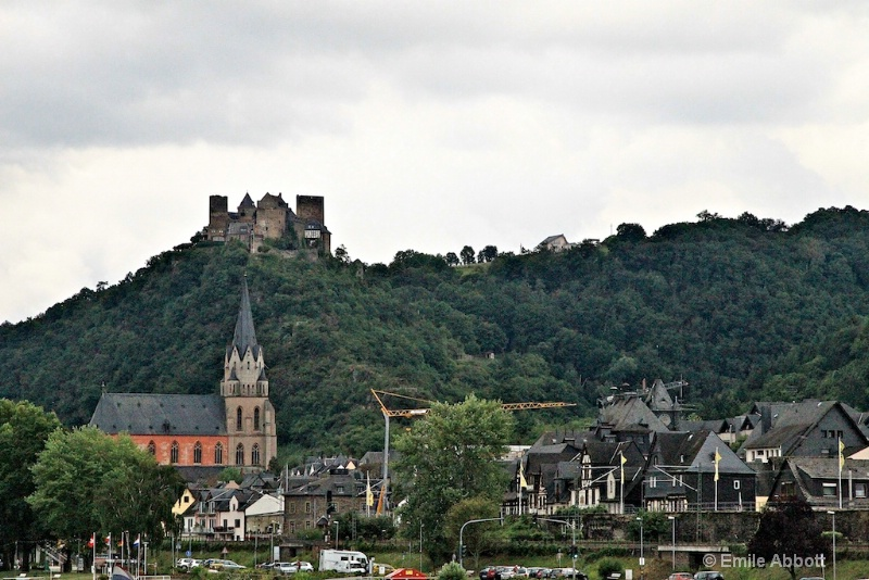 Oberwesel and Schonburg Castle on hill