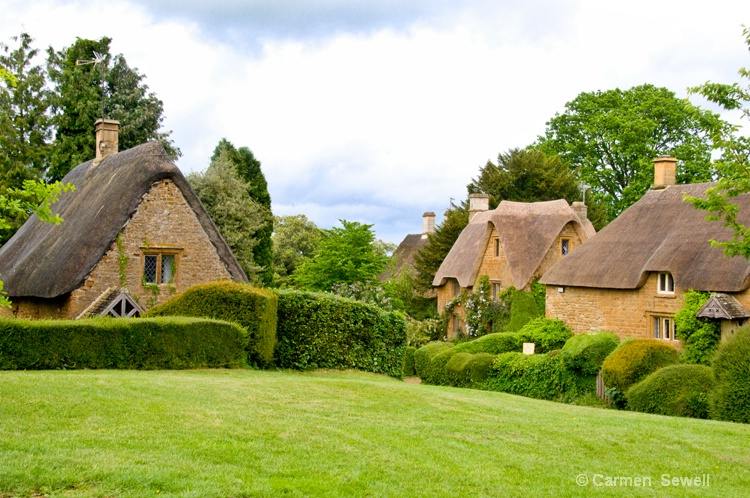 Greater Tew thatached cottages