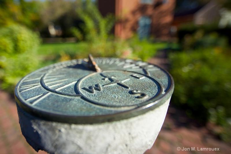 Still a Sundial