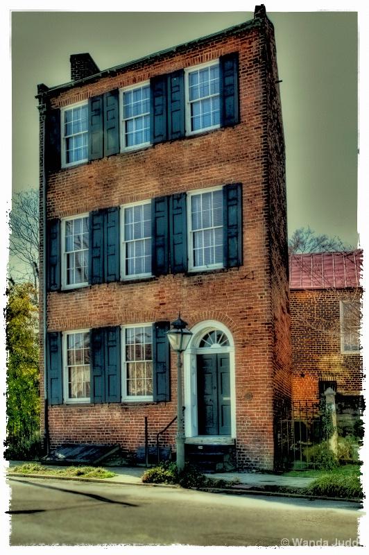 Trapezium House - Petersburg VA