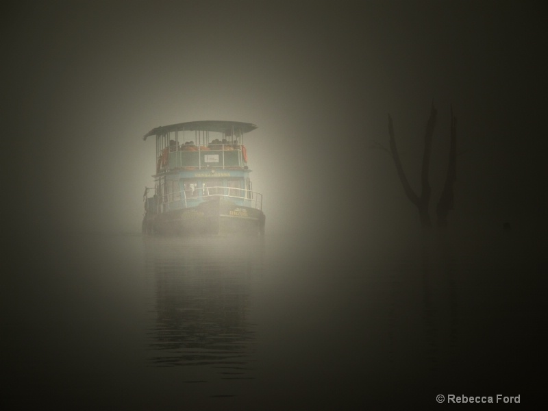 Flash light added to the ferry in fog
