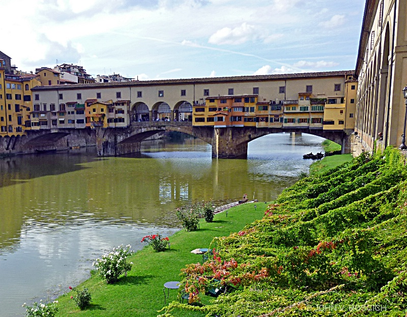 THE  PONTIVECIO  BRIDGE, FLORENCE