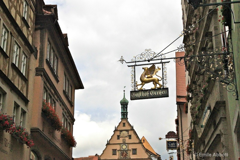 Rothenburg Gashof Greifen and town clock