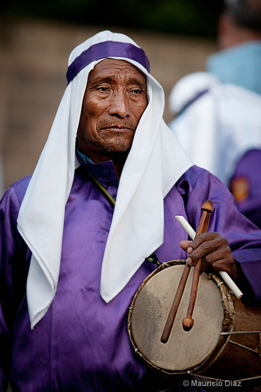 The Man that Plays the Drum