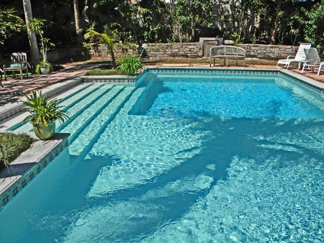 pool at granaway inn