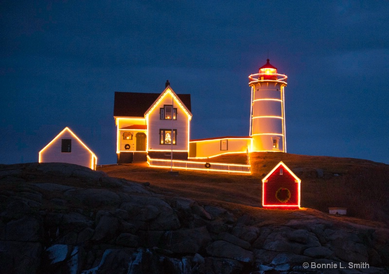 x-mas at nubble light 1
