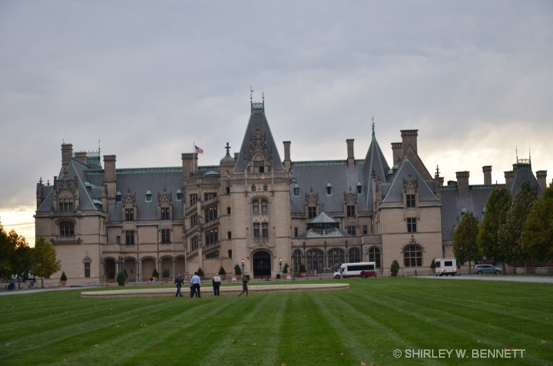 FRONT VIEW OF BILTMORE HOUSE, ASHEVILLE, NC
