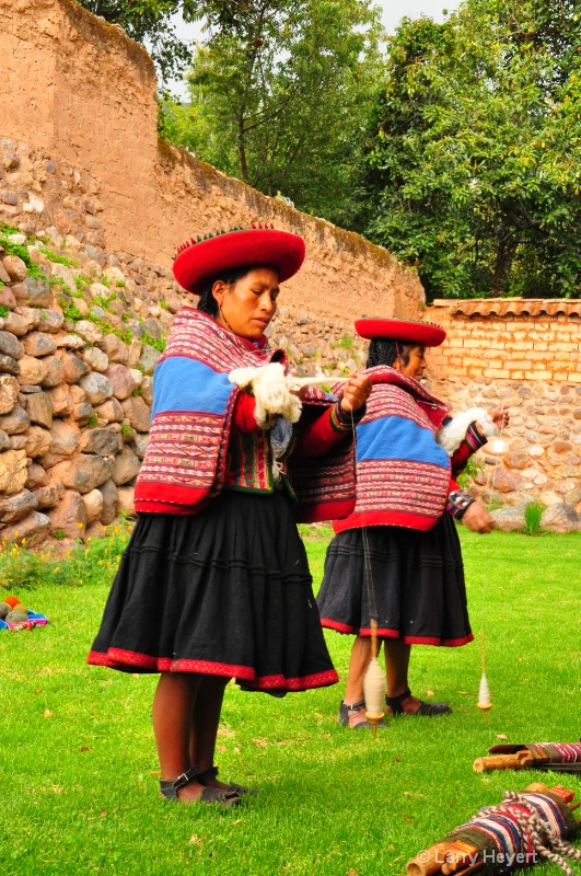 Local Peruvian weavers in Urubamba Valley