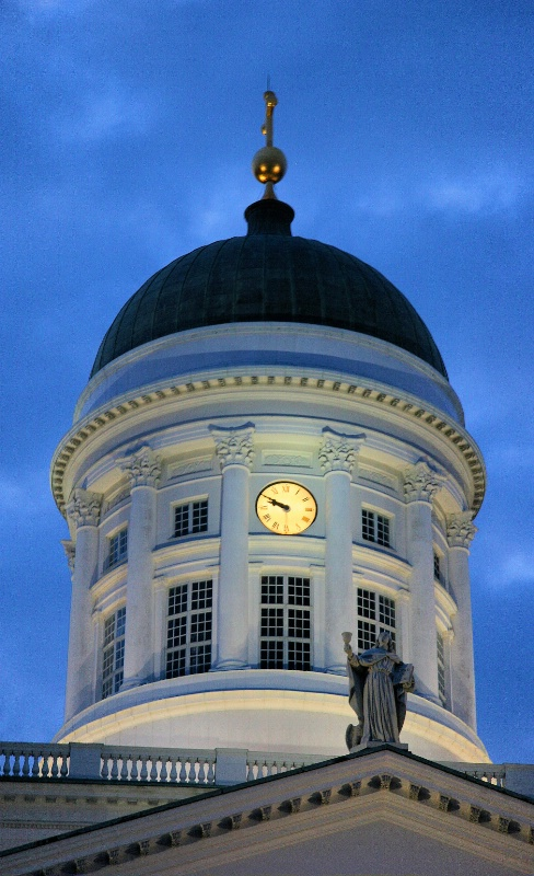Time at Helsinki Cathedral