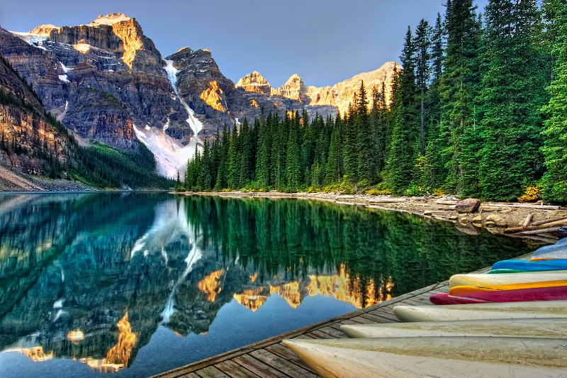 Dawn on Moraine Lake