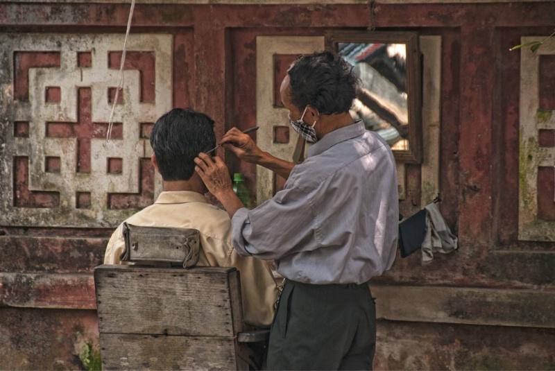 Sidewalk Barber