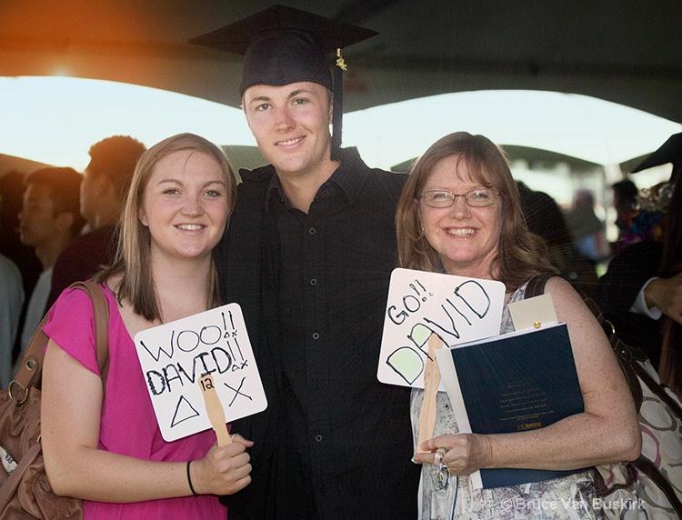 Woo signs with David, Mom, Julie