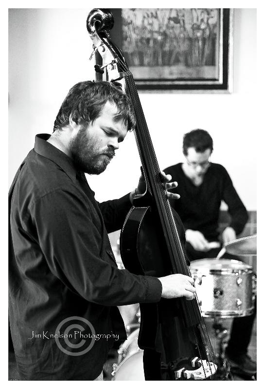 AB TRIO (bass & drummer)