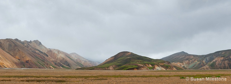 Iceland Colorful Mtns Pan 1
