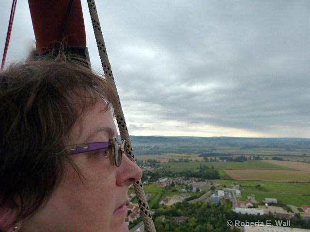 joan in balloon