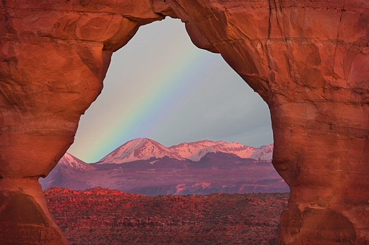Delivate Arch and La Sal Mountains
