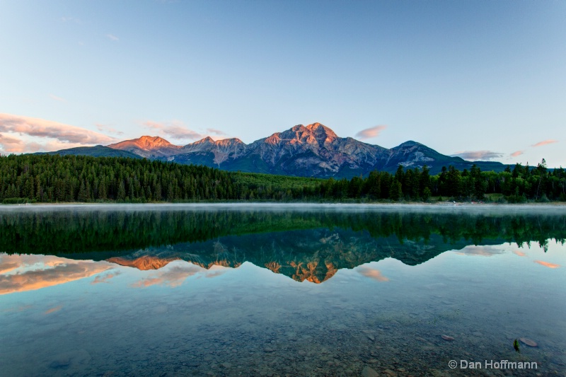 pyamid moutain reflection in patricia lake-1