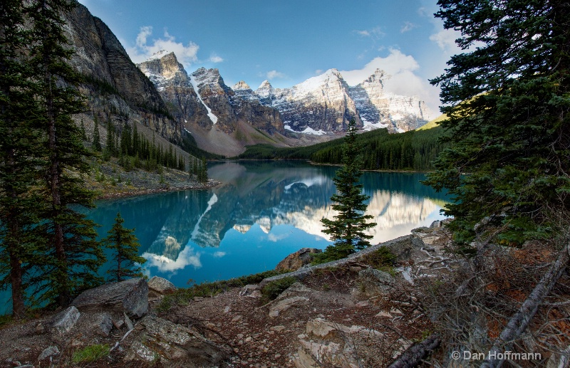 panorama moraine lake